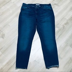 Loft Skinny Frayed Raw Hem Jeans!